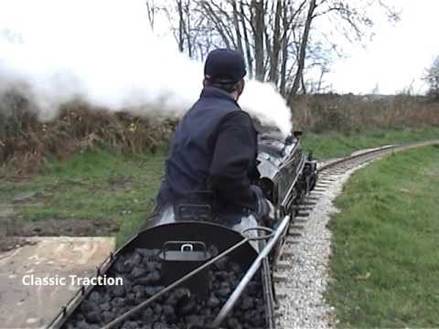RIDE ON THE PLOWMANS MINIATURE GARDEN RAILWAY WITH UNION PACIFIC 4-8-8-4