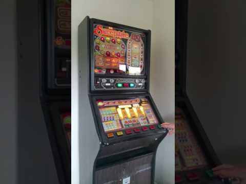 Early 80s Barcrest Fruit Machine - Part 1