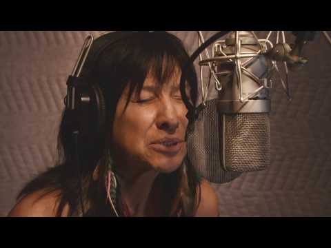 Video von Buffy Sainte-Marie & Tanya Tagaq