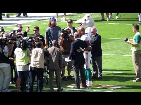 Jason Taylor Gives Farewell Speech Before Last Game - Dolphins vs Jets - 1/1/12