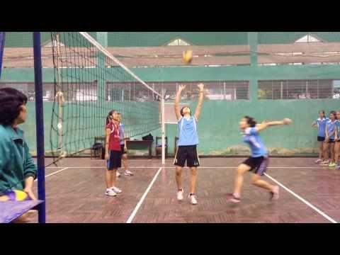 Tuyển bóng chuyền trẻ nữ Quốc gia Việt Nam 2014: Tấn công 2