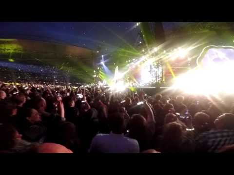 Coldplay Melbourne 2016 - Yellow Live