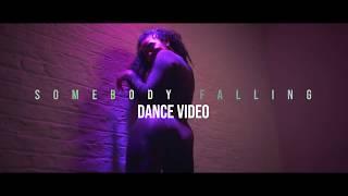 Смотреть клип Maleek Berry - Somebody Falling