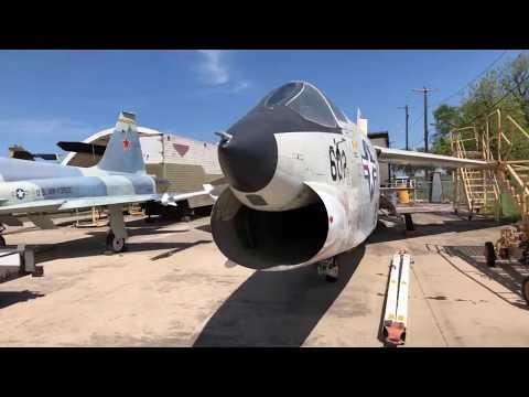 RF-8 Crusader Walk-around - 8 Apr 2020