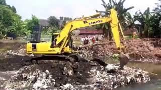 Heavy Equipment KOMATSU Evacuation at Pandeyan, Sewon Bantul