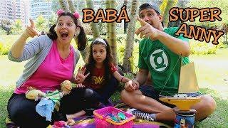 BRINCANDO DE BABÁ COM A MAMÃE E O PAPAI POR UM DIA - BABÁ SUPERANNY - Playing nanny with mom and dad
