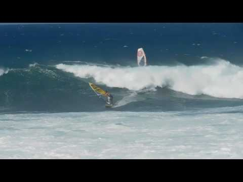 Ho'okipa Maui Wind-Kite-Board Surfers October 13, 2016