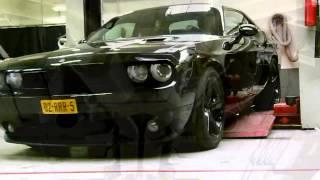 2008 Dodge Challenger SRT8 met maatwerk RVS einddempers en Cut outs van EPS Uitlaten BV