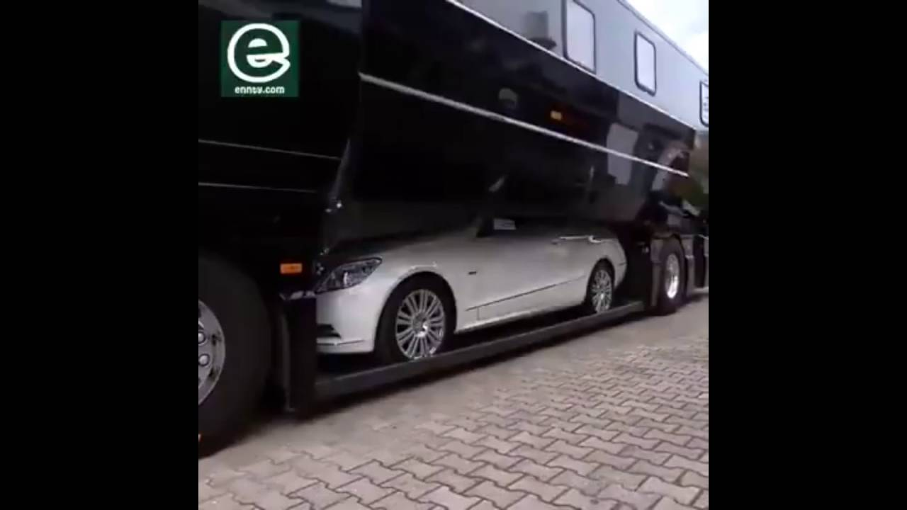 Luxurious caravan mercedes benz youtube for Mercedes benz caravan