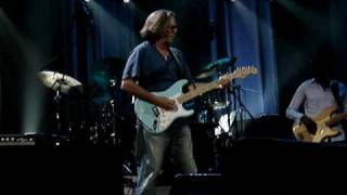 "Eric Clapton/Steve Winwood "" Gimme some loving""@ Bercy May 25 2010"