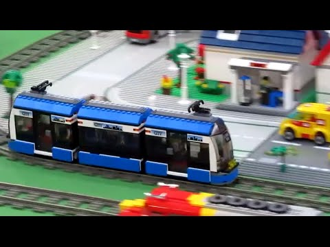LEGO City Tram 8404 Motorized! Cool Funny :-)