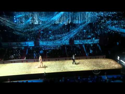 Akon - Angel (Victoria's Secret Fashion Show 2010-2011) [HD]