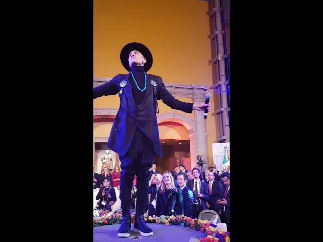 El cantante Taboo, de Black Eyed Peas, actúa ante la Reina Letizia para apoyar la investigación contra el cáncer
