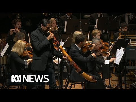 Hawke Memorial: William Barton And The Sydney Symphony Orchestra Play Down Under | ABC News