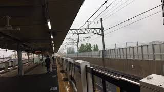 JR西日本京都線総持寺駅 貨物列車通過