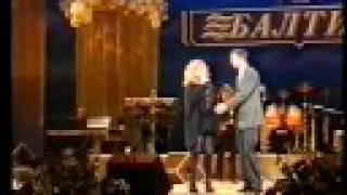 Алла Пугачева - Пригласите танцевать (СПБ, 2000, Live)