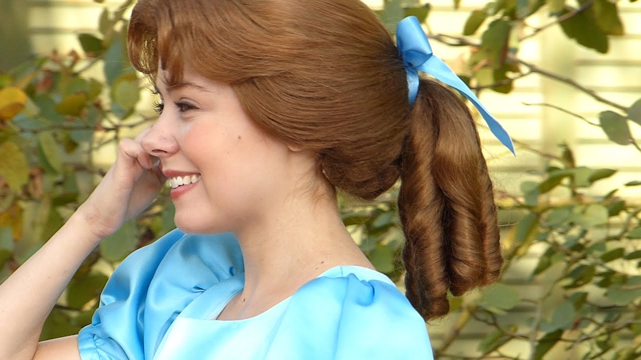 What Does Wendy Darling From Peter Pan Like To Do Is Her Favorite Color Disneyland