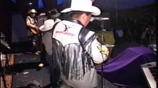 Accion Oaxaca-Corridos perrrones en San Agustin Atenango...La lobo del ano y Agustin Santos.