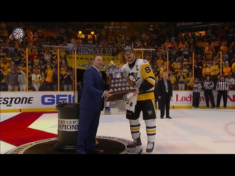 Crosby receives Conn Smythe for 2nd straight year