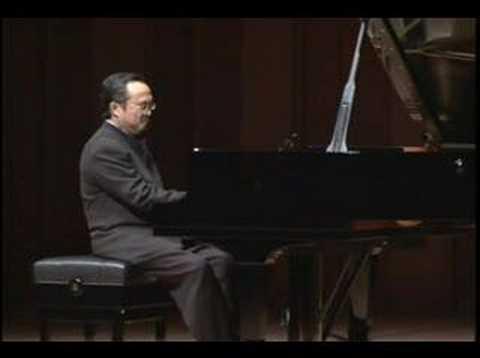 Dang Thai Son recital in Japan