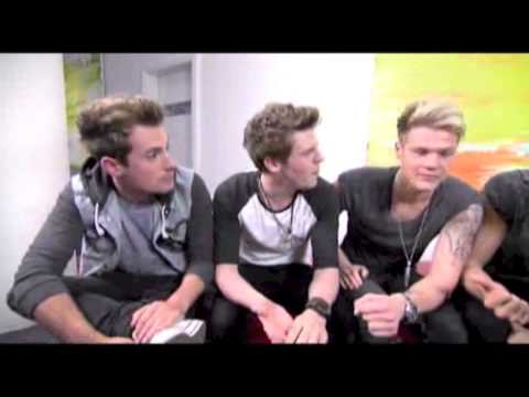 Lawson chat to Ambo | ABC Studio 3 Interview