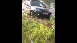 УАЗ в воде ч.1 Оренбург 06.07.13(, 2013-07-07T19:05:31.000Z)