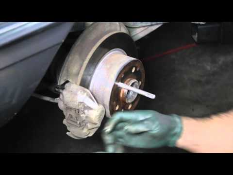 Alloy Wheel and Lug Bolt Installation Tips to Prevent Problems
