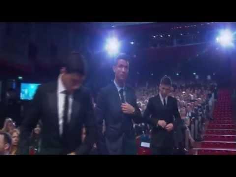"""Cristiano Ronaldo a Leo Messi """" Su primer """" Premio Europa 2015-His first """" European Award 2015"""