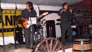 Mania Musical en vivo mix  oficialmente loco , muchachita