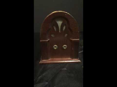 "Vintage ""Antique Radio"" Music Box George-Good Corporation 1984 Playing ""Second Hand Rose"""