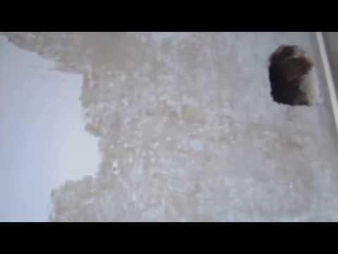 Как удалить побелку со стены