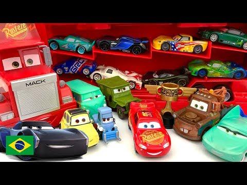 Coleção Brinquedo Carros 3 Apresentando Jackson Storm Relâmpago McQueen Capota na Pista