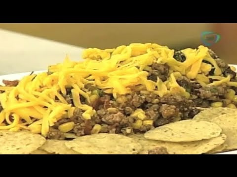 Nachos de carne frijol y ma z cocinemos juntos youtube for Sembrar maiz y frijol juntos