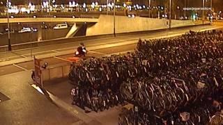 Amsterdam: Zware mishandeling echtpaar bij Centraal Station