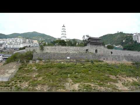 Qutang gorge, Yangtze river c.MOV