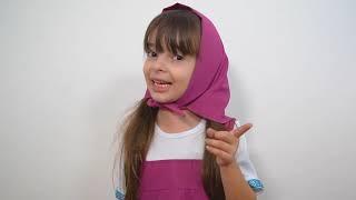 Laurinha em Masha e o Urso 🐻 brincando com brinquedos de limpeza - Pretend play Cleaning toy