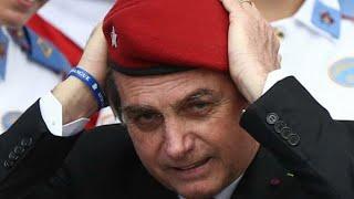 Recebido aos gritos de 'mito', Bolsonaro comemora aniversário de 130 anos do CMRJ