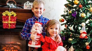 Tim and Essy Decorating CHRISTMAS Tree! Christmas songs for kids