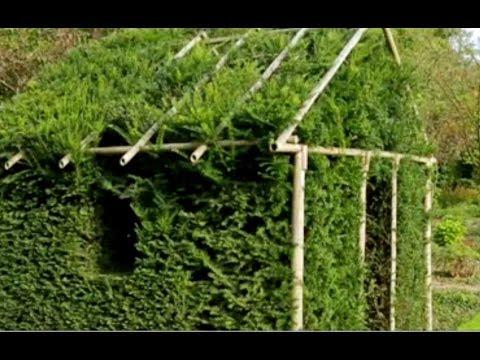Construire une cabane de feuillage youtube - Fabriquer une cabane avec des palettes ...