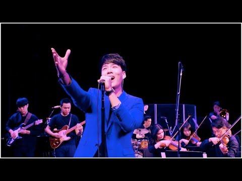 Olive Tree (橄榄树) - Cover by 曲扬 Yang Qu & 郑俊树 Junshu Zheng (Live at Berklee)