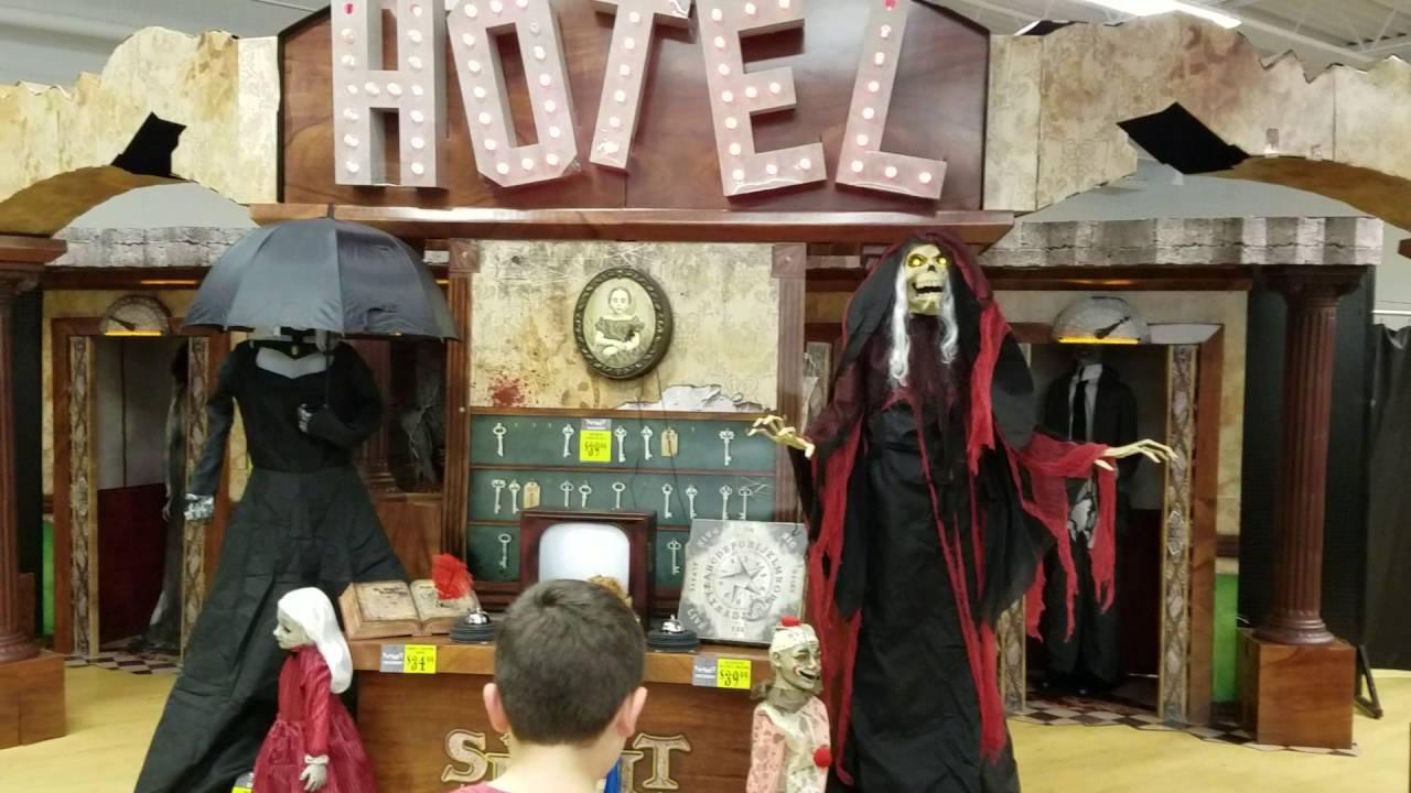 spirit halloween hotel 2016