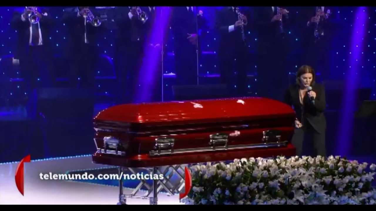 Mirame - Olga tañon en vivo @ Jenni Rivera's Homenaje ...Jenni Rivera Funeral