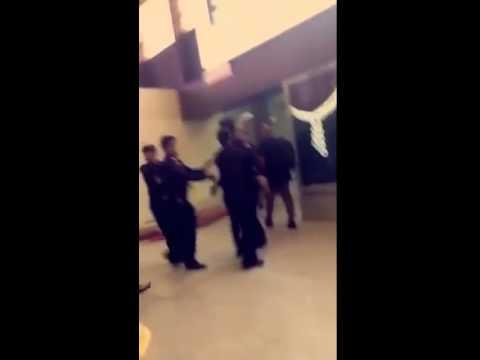 فيديو اشتباك عمر السومة مع رجل الامن في المطار كامل