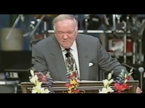 Kenneth Hagin pretends he is about to preach; acts demon-possessed instead.