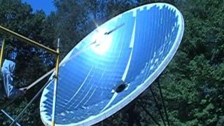 Solar parabolic dish hot water heater