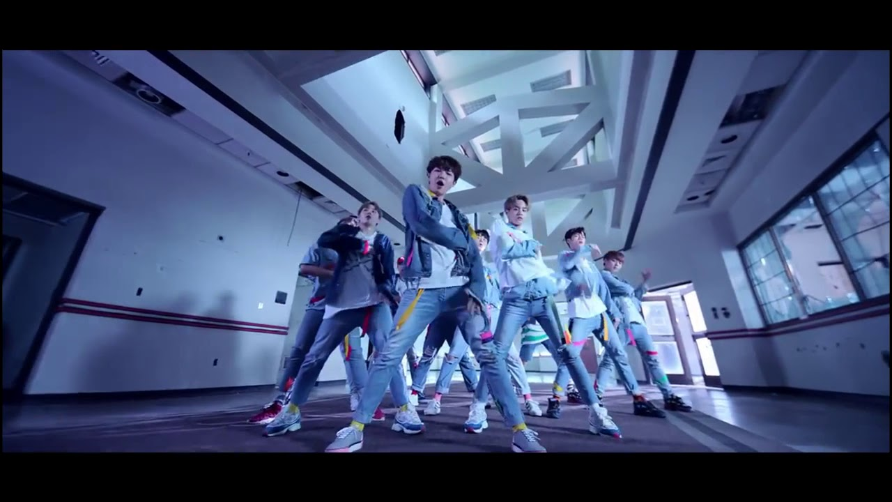 Wanna One Energetic performance (Mirror/Slow 80%)