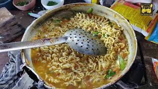 OMLET CRUSHED MAGGI || BEST IN TAST...