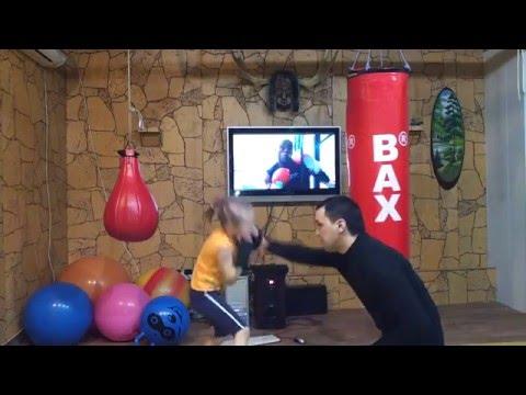 0 Garotinha Boxeadora