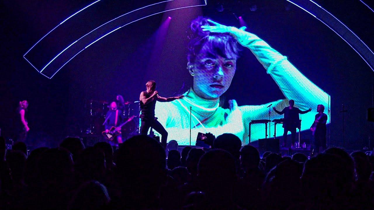Би-2 – Дурочка (извините, но 18+) LIVE @ 19 концертов тура NewBest
