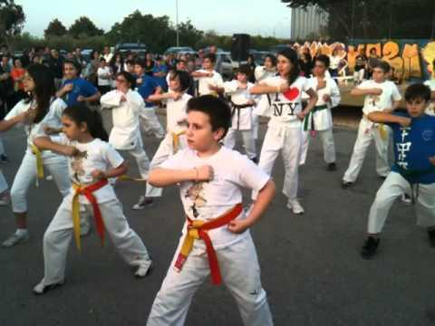 Esibizione di karate maestra Marcela alla settimana dello sport